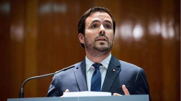 Indignación con Garzón por relacionar a la Policía y Guardia Civil con el