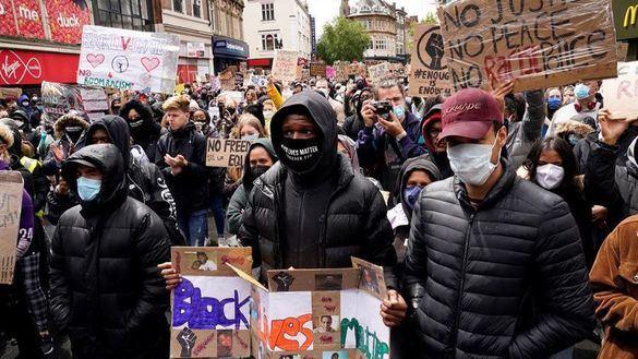 Masivas manifestaciones contra Trump en todo el mundo