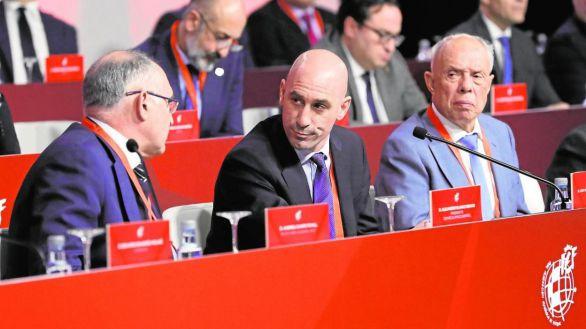 Rubiales convoca elecciones a la presidencia de la RFEF para trastocar a Casillas
