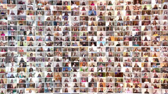 Más de 640 personas se unen en el vídeo coral 'Viva la Vida'
