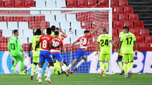 Carlos Fernández revoluciona al Granada para remontar al Getafe  2-1