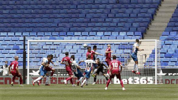 El Espanyol aprovecha un error del Alavés para salir a flote   2-0