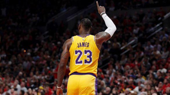 Choque entre LeBron e Irving sobre cómo debe afrontar la NBA la lucha antirracista