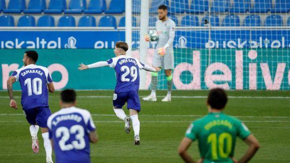 El Alavés saca tres puntos ante una inofensiva Real Sociedad |2-0