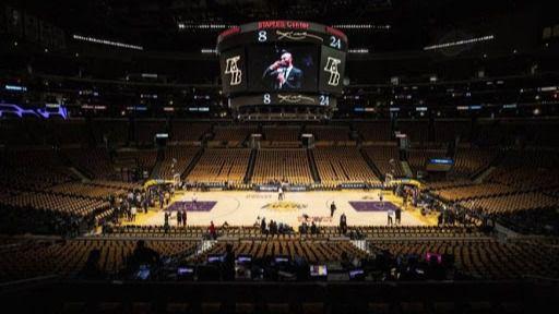 NBA. La dueña de los Lakers publica un ataque racista que atenta contra Kobe Bryant