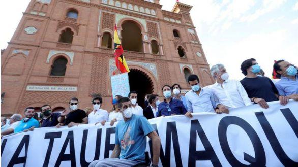 La tauromaquia se reivindica: miles de personas defienden los toros en Las Ventas