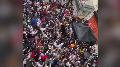 Indignación en París por la celebración masiva de la Fiesta de la Música
