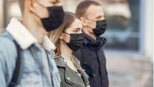 Una segunda ola podría evitarse si se mantienen las distancias sociales y el uso de mascarillas