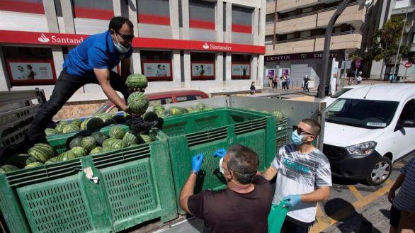 Los precios moderan su caída en junio; los alimentos siguen al alza