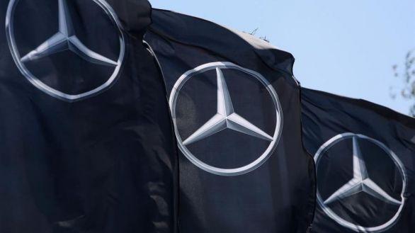Mercedes pinta de negro sus monoplazas contra el racismo