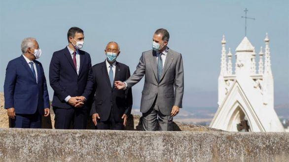 El Rey celebra en Badajoz la reapertura de la frontera con Portugal