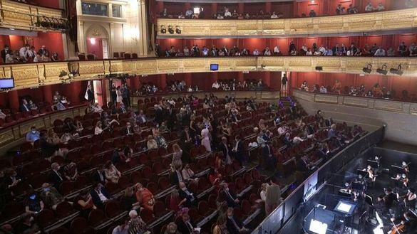 El Teatro Real vuelve con una versión de La Traviata adaptada al coronavirus