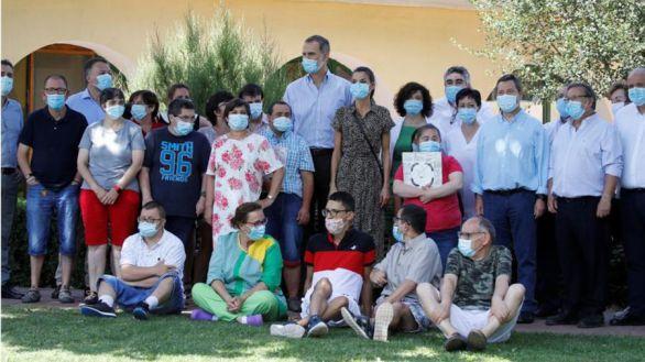 Los Reyes visitan Cuenca y apoyan la acción social para personas con discapacidad