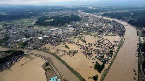 Japón evacúa a 200.000 personas tras vivir un récord de lluvias