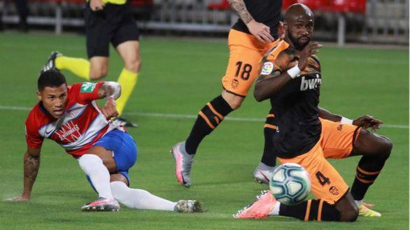 Granada y Valencia empatan y enfrían sus opciones europeas  2-2