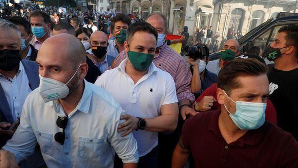 El presidente de Vox, Santiago Abascal, a su llegada al mitin de Lugo.