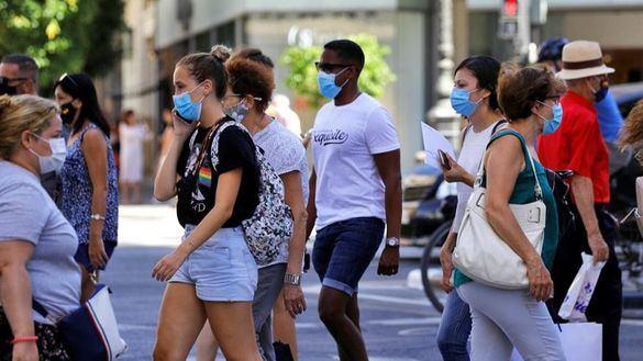 Unos 2,5 millones de españoles, el 5,2% de la población, se contagiaron de coronavirus
