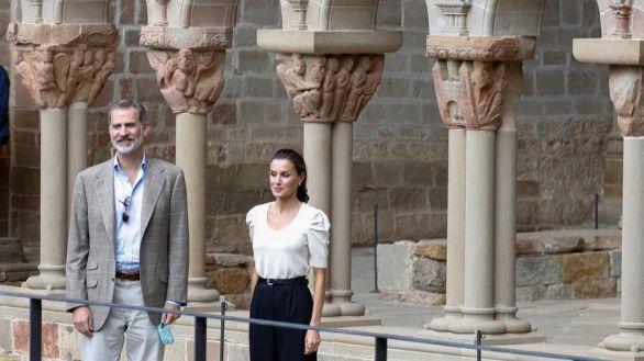 Los Reyes visitan en Huesca el panteón de los primeros monarcas aragoneses