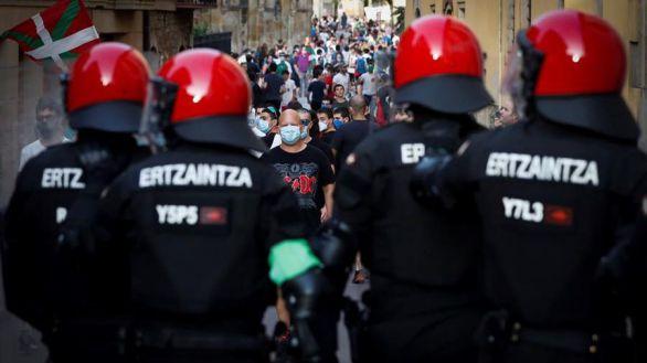 Un grupo de radicales trata de boicotear un acto de Vox en Oñate
