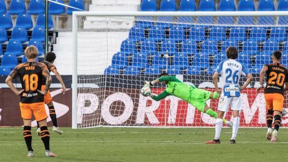 El Leganés saca su orgullo para aguantar al Valencia | 1-0