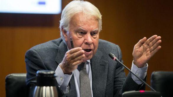 Felipe González pide respeto para el legado de Juan Carlos I