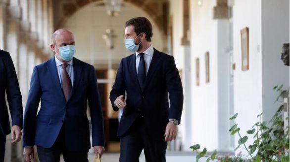 Casado lamenta que Sánchez haya llegado a Bruselas
