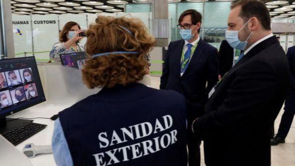 Madrid detecta 77 casos importados en Barajas y exige PCR: