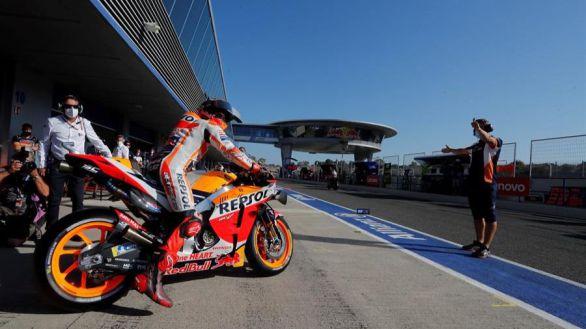 GP España 2. Marc Márquez se baja de la moto y su milagro se diluye