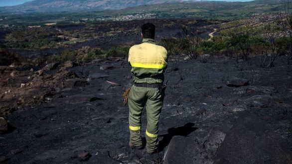 Tres incendios en Orense queman mil hectáreas de monte en tres días