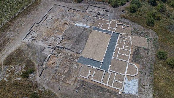 Hallan una fachada de una residencia aristocrática romana del siglo IV en un pueblo de Segovia