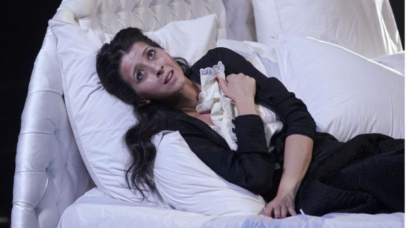 Lisette Oropesa, primera mujer que hace un 'bis' en el Teatro Real