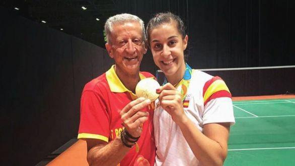 Carolina Marín se despide de su padre con un homenaje
