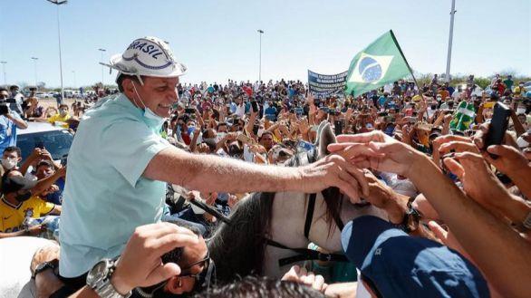 Bolsonaro confiesa tener moho en el pulmón y su mujer da positivo en Covid-19
