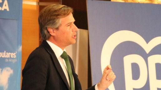 """El PP critica que Sánchez """"se aplauda a sí mismo"""" con un millón de empleos menos"""