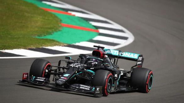 GP Gran Bretaña. Hamilton firma récord y 'pole' en Silverstone