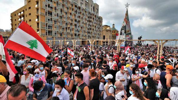 Día de la ira: un fallecido y 172 heridos en las protestas contra el Gobierno en Beirut