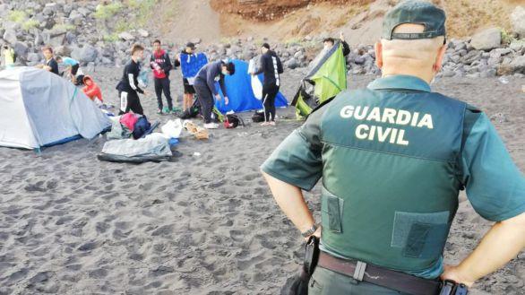 Desalojan de una playa a 62 personas que habían quedado para propagar el virus