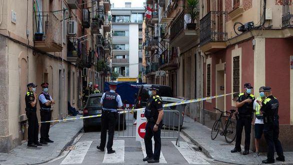 Tres muertos y seis heridos en un incendio en Barcelona