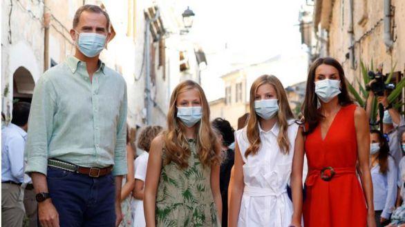 La Familia Real concluye su estancia en Mallorca mientras Sánchez sigue en La Mareta