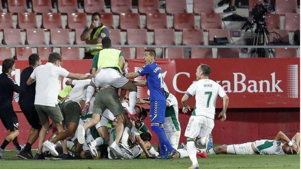 El Elche regresa a Primera con un gol en el 96 |0-1