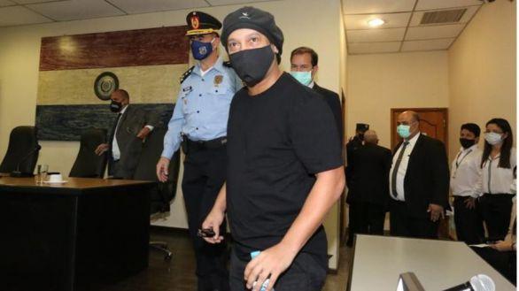 Ronaldinho, en libertad tras pasar detenido seis meses en Paraguay