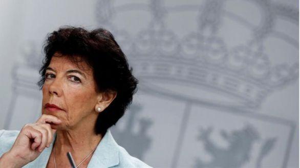 Iglesias acusa a Celaá de falta de liderazgo, y la ministra responde:
