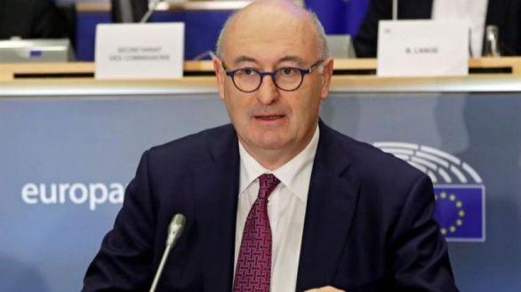 Dimite el comisario europeo de Comercio por incumplir las reglas contra el Covid-19