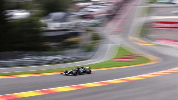 GP Bélgica. Hamilton logra su enésima 'pole' en el descalabro de Ferrari