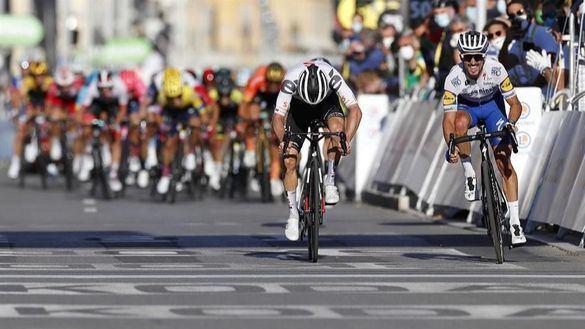 Tour de Francia. Alaphilippe triunfa en el estreno precoz de la montaña