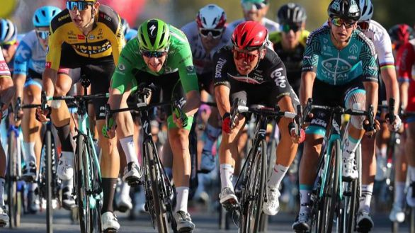 Tour de Francia. Ewan se impone en un espectacular esprint a cuatro