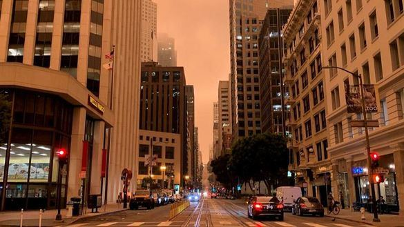 Los incendios del oeste de EEUU siguen descontrolados y los bomberos empiezan a quedarse sin recursos