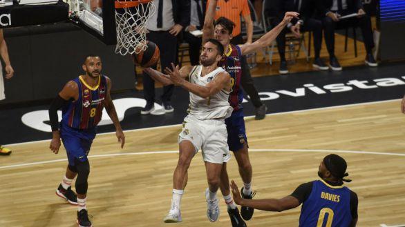 Supercopa ACB. El Real Madrid se impone al Barcelona en una igualada final |72-67