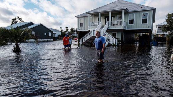 La marejada ciclónica del huracán Sally deja un muerto en Alabama