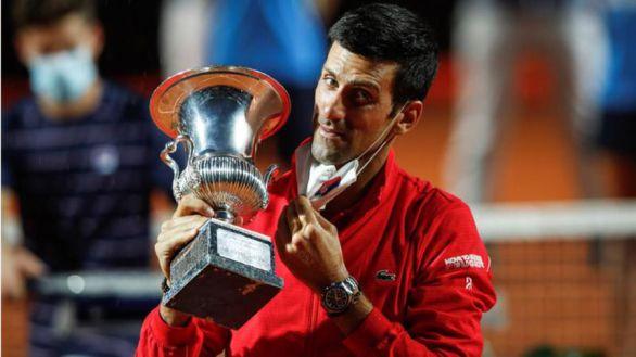 Roma. Djokovic doblega a Schwartzmann y supera a Nadal en Masters
